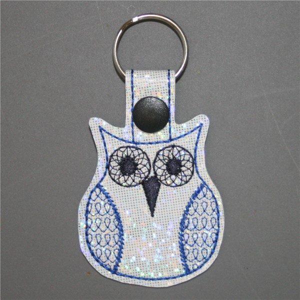 groovy owl key ring in blue