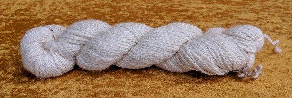 white sport weight alpaca yarn from Meteor